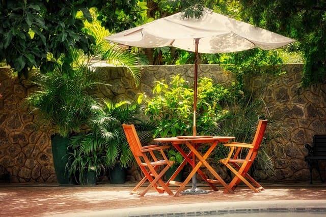 miglior-ombrellone-da-giardino