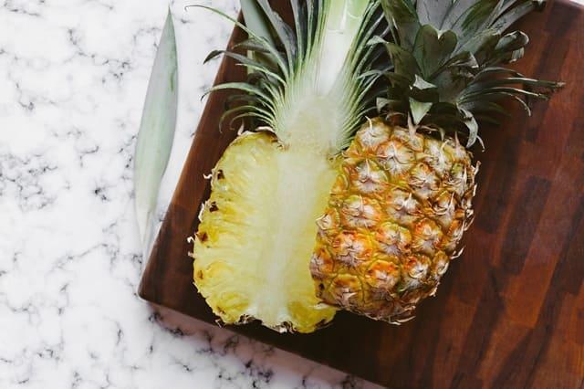 Ananas-frutta-di-stagione-febbraio