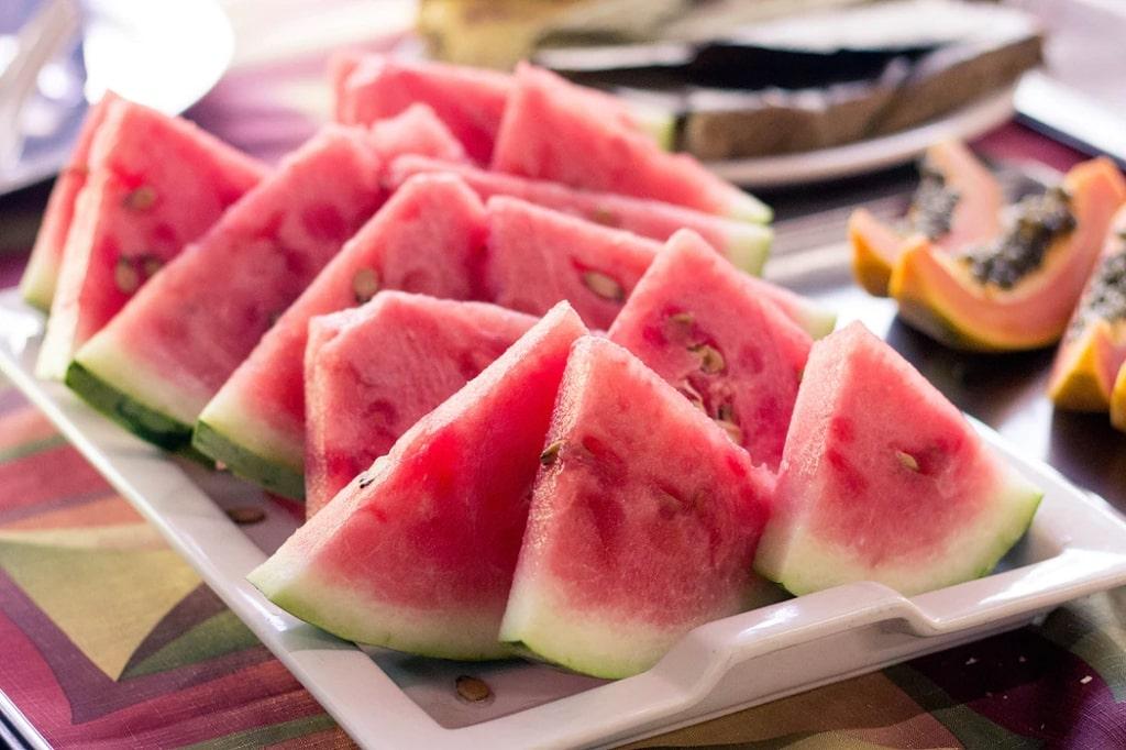 Angurie-frutta-di-stagione-giugno