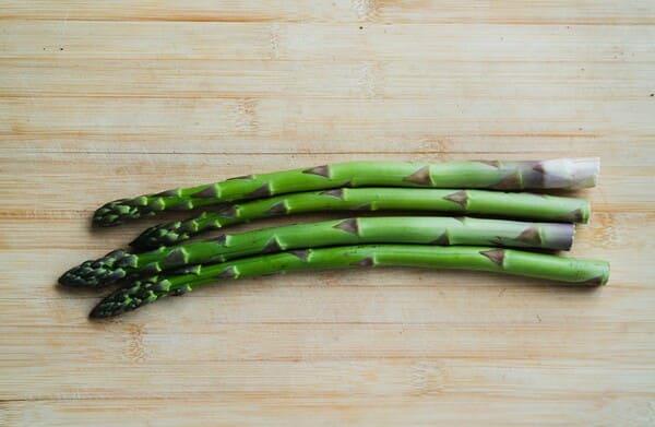 Asparagi-verdure-di-stagione-a-marzo