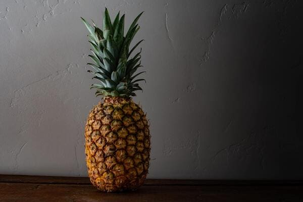 Frutta-di-stagione-di-novembre-Ananas