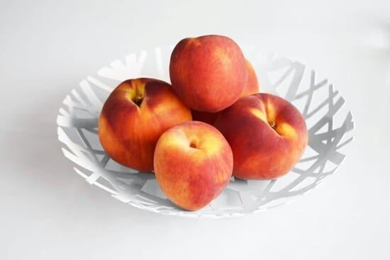 Frutta-primaverile-pesche