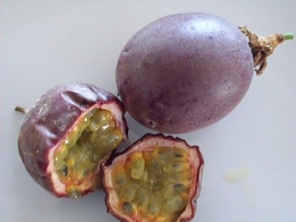 Frutto-della-passione-Frutta-con-la-F
