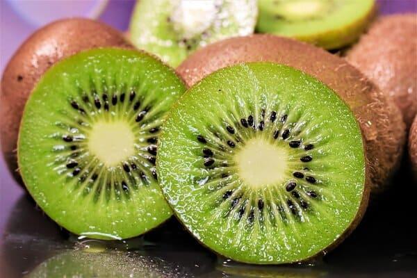 Kiwi-frutti-di-stagione-di-aprile