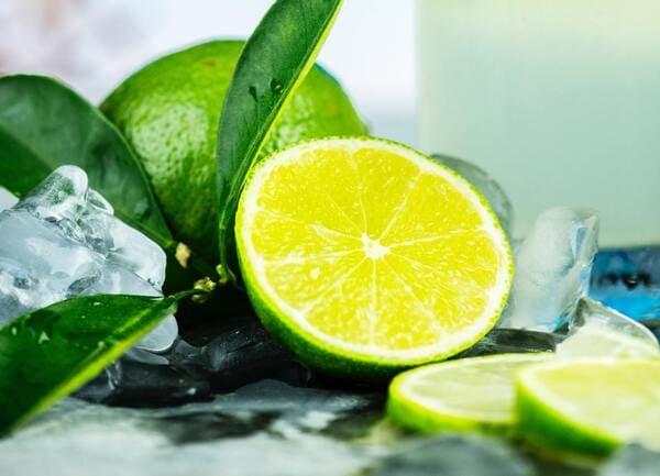 Lime-frutta-di-stagione-di-novembre