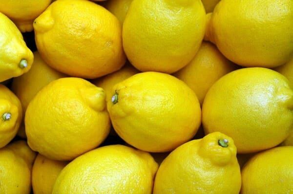 Limone-frutta-di-stagione-a-ottobre