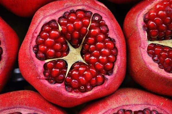 Melograno-frutta-di-stagione-a-ottobre
