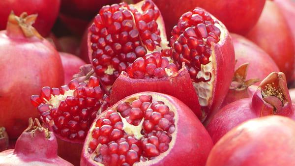 Melograno-frutta-di-stagione-di-novembre