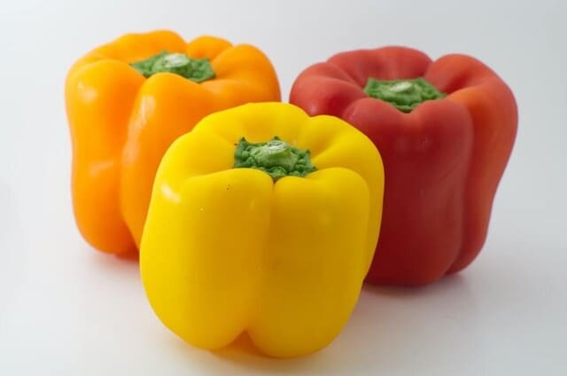 Peperoni-verdura-di-stagione-a-giugno