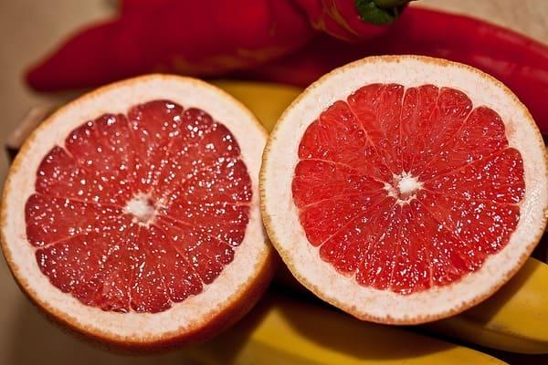Pompelmo-frutta-di-stagione-di-novembre