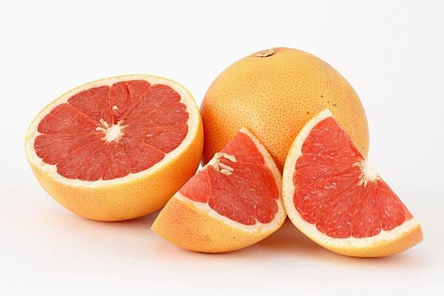 Pompelmo-frutta-di-stagione-febbraio