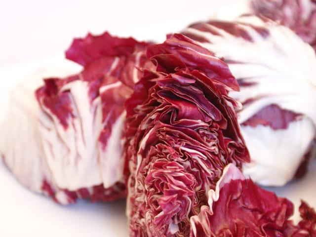 Radicchio-rosso-verdura-di-stagione-di-novembre