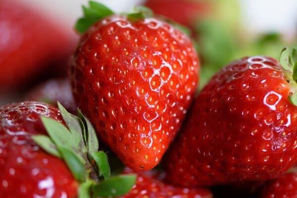 fragole-frutta-di-aprile